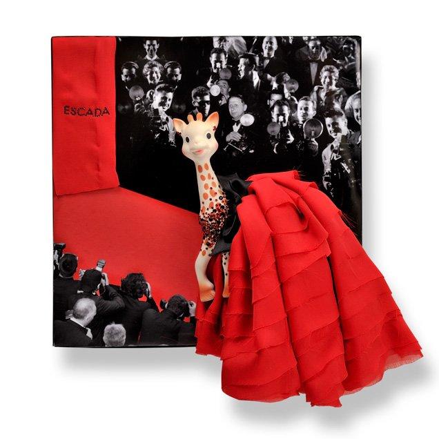 05 ESCADA - Sophie la Jirafa, el juguete que adoran los bebés de las celebrities