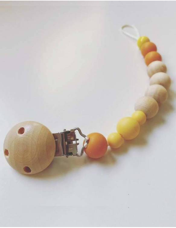 chupetero-bebe-madera-papallona-mostaza