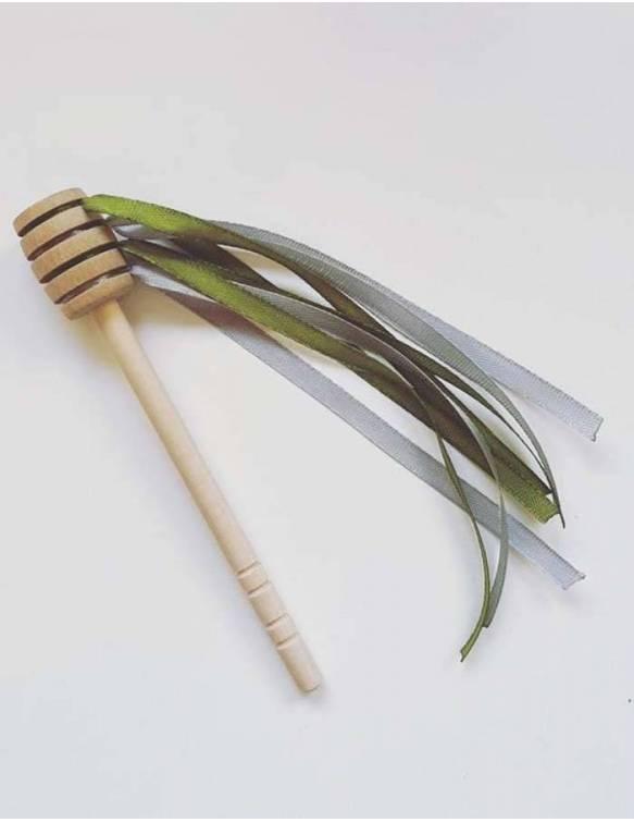 cuchara-miel-madera-papallona-verde