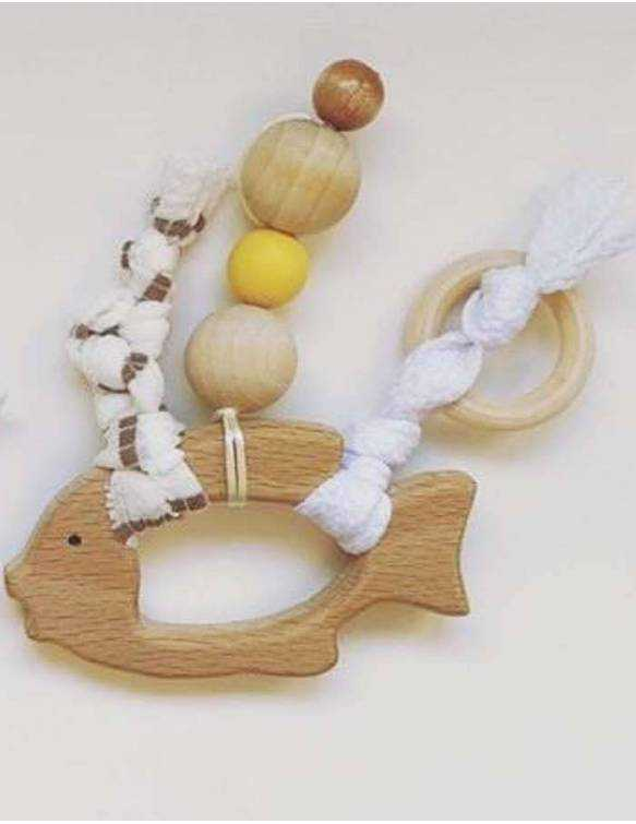 mordedor-bebe-madera-papallona-mostaza