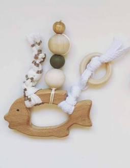 mordedor-bebe-madera-papallona-verde