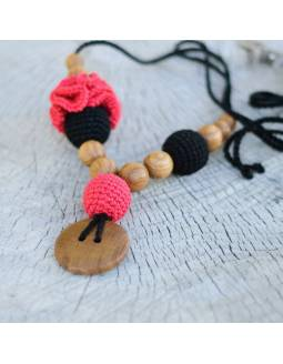 Collar de porteo y lactancia Kangaroo Care - Flower Black & Red