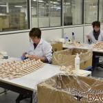fabrica13 150x150 - Como se fabrica Sophie la Jirafa, técnicas artesanales tras 50 años